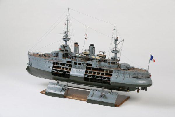 Cuirassé IENA - Modèle d'arsenal vers 1900 - Anc. coll. Roland de la Poype