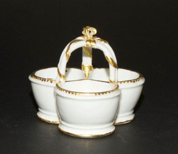 SEVRES - Saleron triple en porcelaine - Epoque Transition, vers 1770